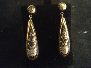 Victorian pique earrings.