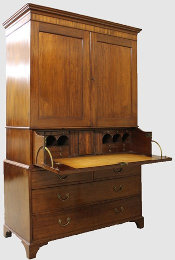Georgian 'Gillows of Lancaster' Mahogany Secretaire Press