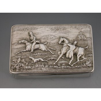 VICTORIAN SILVER HUNTING SCENE SNUFF BOX.LONDON 1863