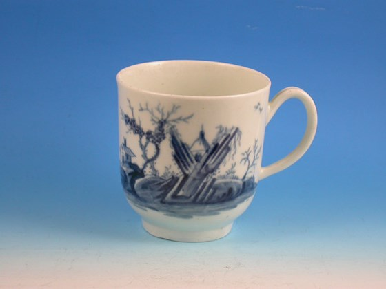 EARLY WORCERSTER GAZEBO PATTERN COFFEE CUP WORCESTER PORCELAIN c1756 - 1760.