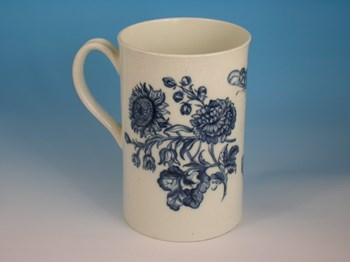 LARGE FIRST PERIOD WORCESTER CYLINDRICAL MUG WORCESTER PORCELAIN c1770.
