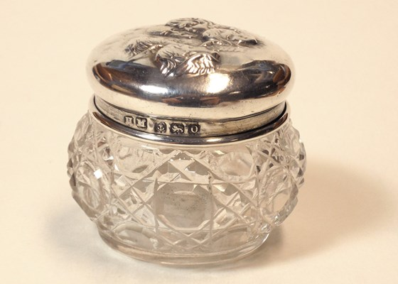 Birmingham 1913. Very Fine Solid Silver & Cut Glass Rouge Pot.  Henry Matthews