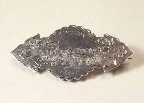 "Birmingham 1898. Rare Victorian Sweetheart Brooch, ""Windsor Castle"""
