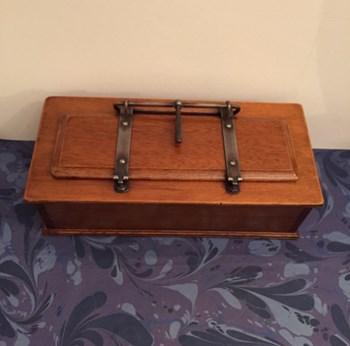 Edwardian Watts Cam Tie Press Box