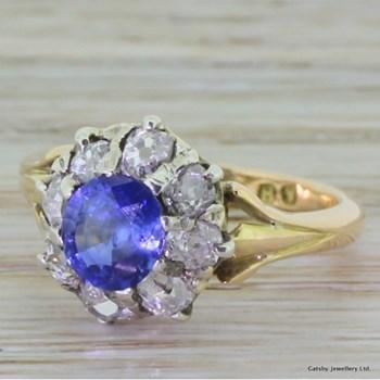 Edwardian 1.00 Carat Sapphire & Diamond Cluster Ring, circa 1910