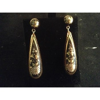 Victorian pique earrings.