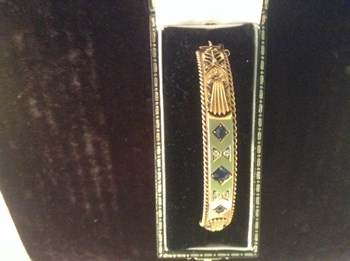 Etruscan style 15carat gold bangle.