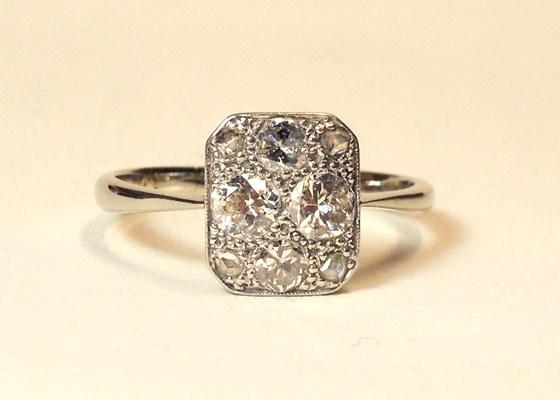 Stunning Art Deco 18ct Gold & Platinum Diamond Ring. Size 'Q'
